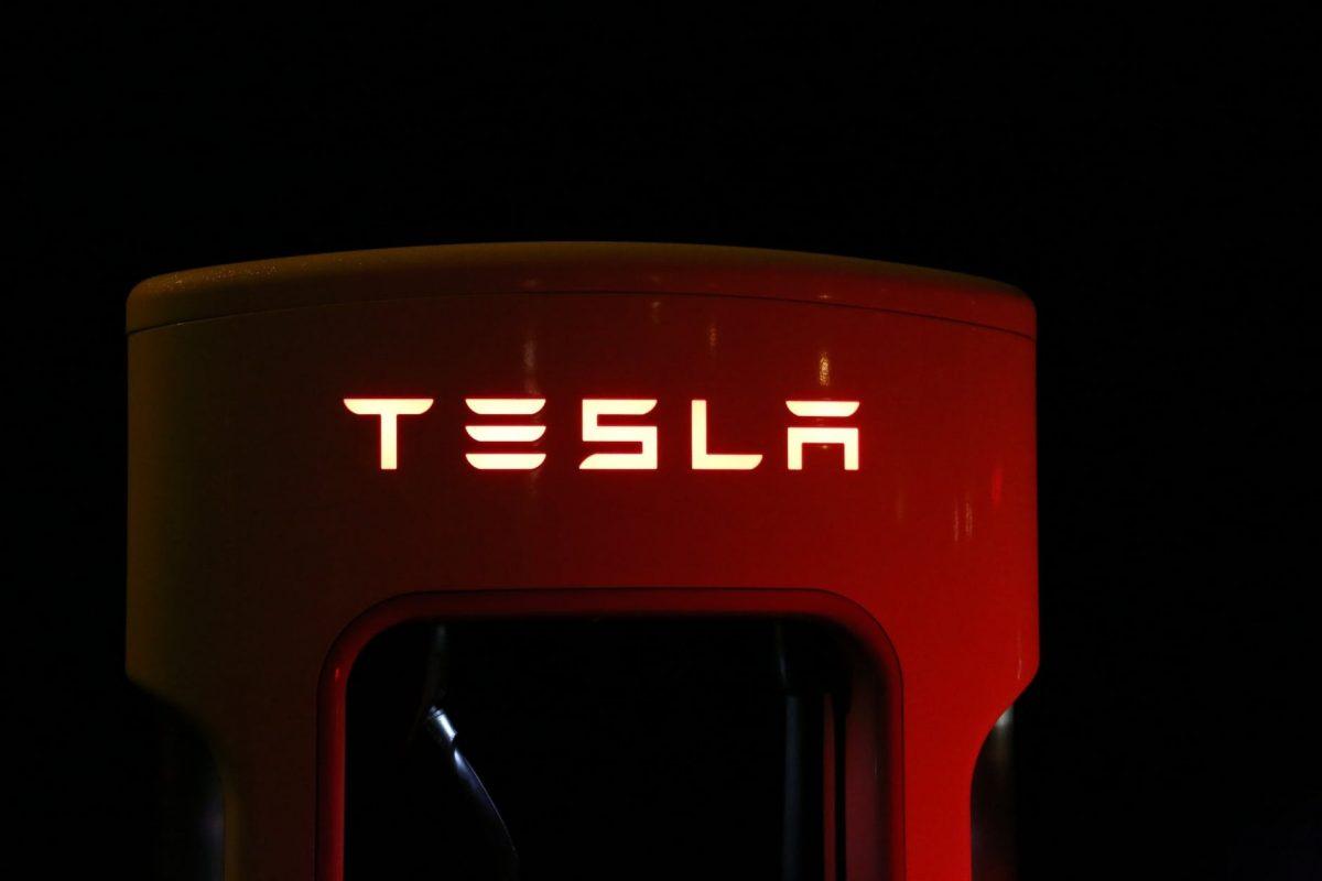 um Tesla