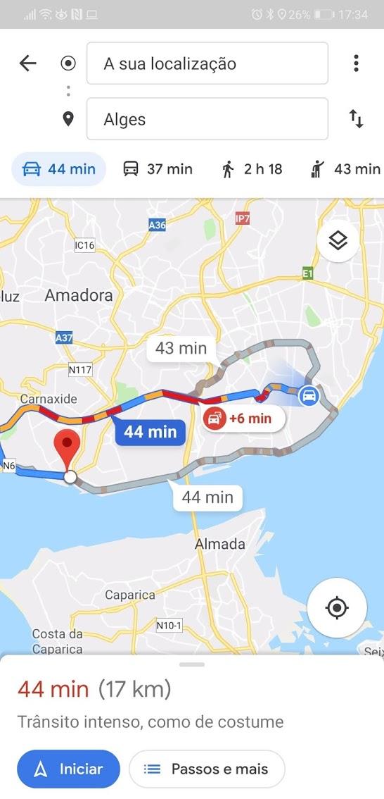 Google Maps vs Waze