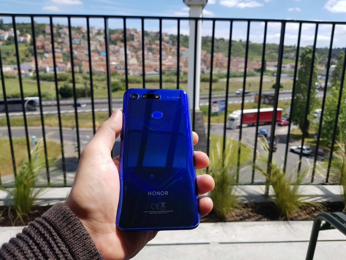 Análise Honor View 20