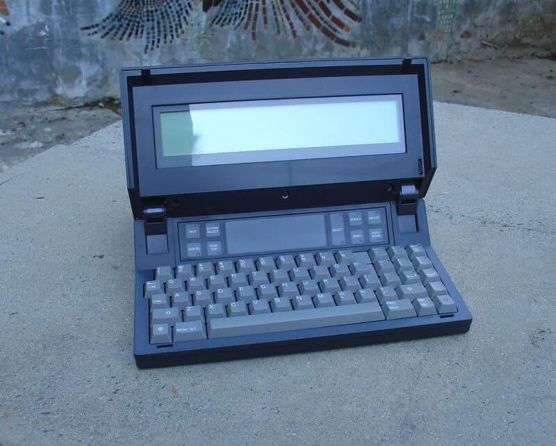 primeiro computador portátil