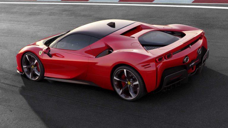 Ferrari SF90 Stradale plug-in híbrido