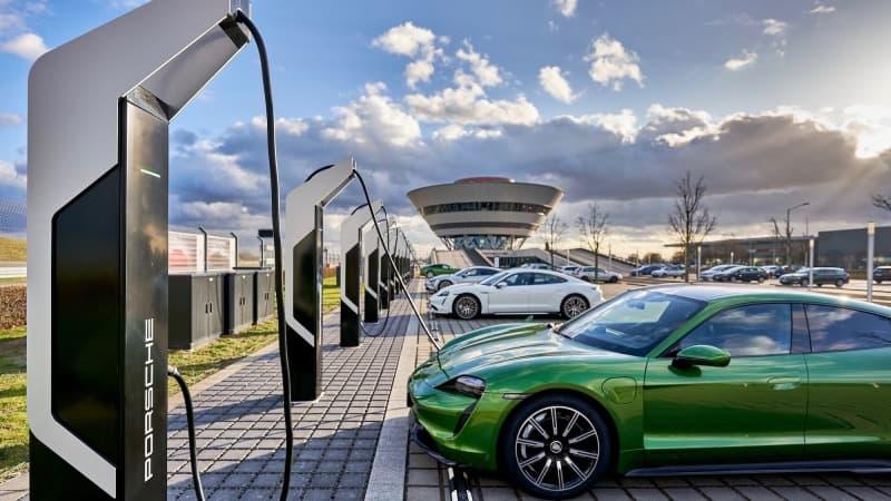 Porsche abre