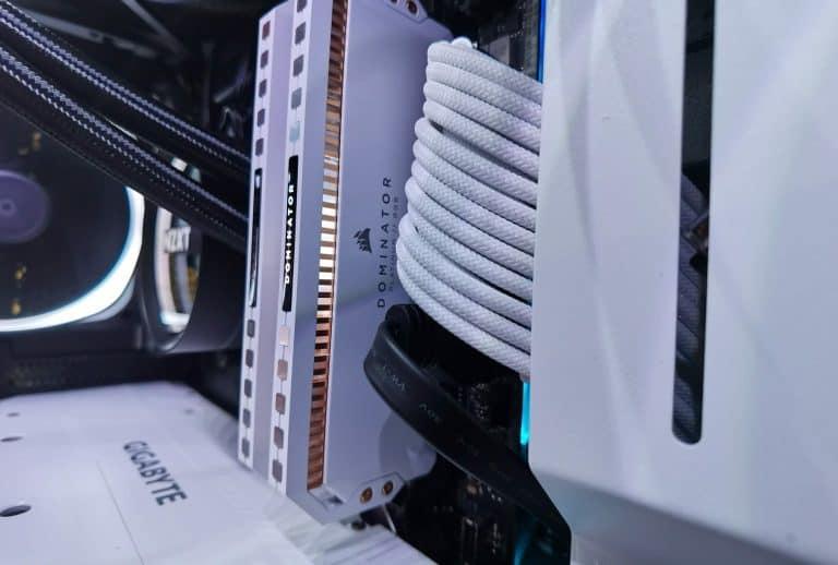 Corsair Dominator Platinum White